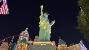 las vegas strip walking tour new statue of liberty face mask vegas safely
